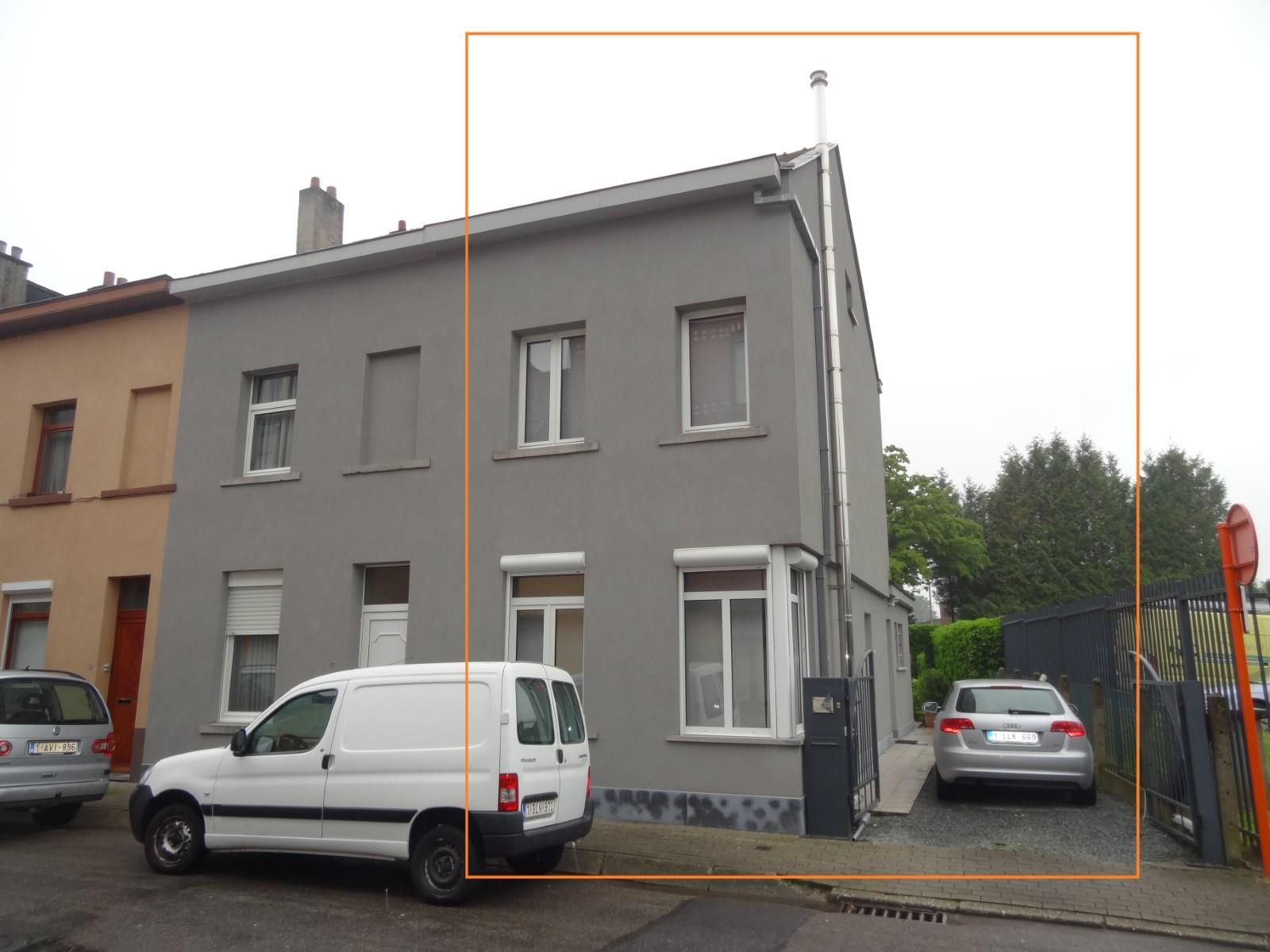 Cbi immo modern gerenoveerde woning met slaapkamers en parking